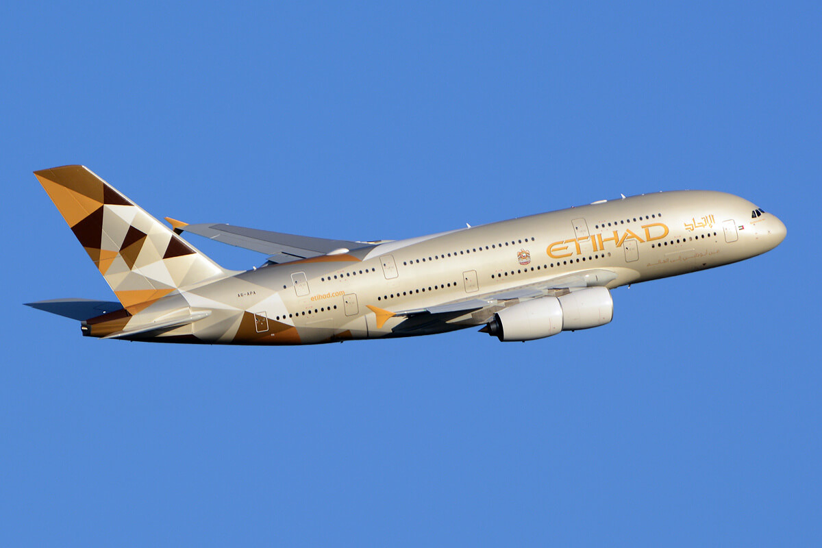 Von Richard Vandervord - http://www.airliners.net/photo/Etihad-Airways/Airbus-A380-861/2574151/L/, CC-BY-SA 4.0, Link