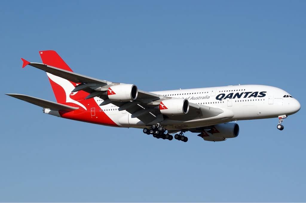 Von Phil Vabre - http://www.airliners.net/photo/Qantas/Airbus-A380-842/1404163/L/, GFDL, Link