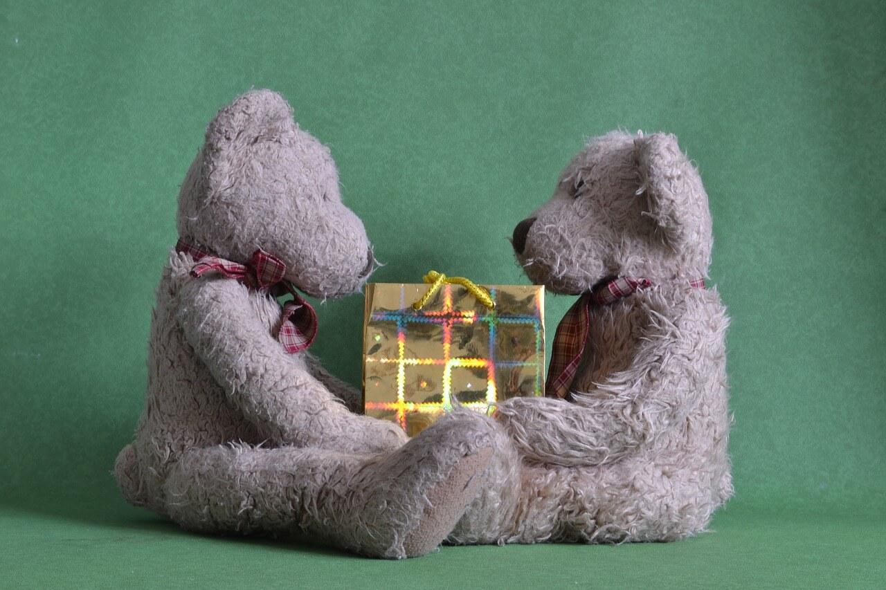 10 Anlässe, um anderen mit einem ausgefallenen Geschenk eine Freude zu bereiten