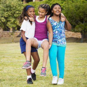 #WieEinMädchen: Kampagne motiviert Mädchen in der Pubertät [Sponsored Video]
