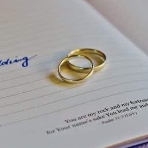 Gästebuch für die Hochzeit: 5 Ideen, die unvergesslich bleiben!