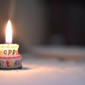 Zehn kreative Arten zum Geburtstag zu gratulieren