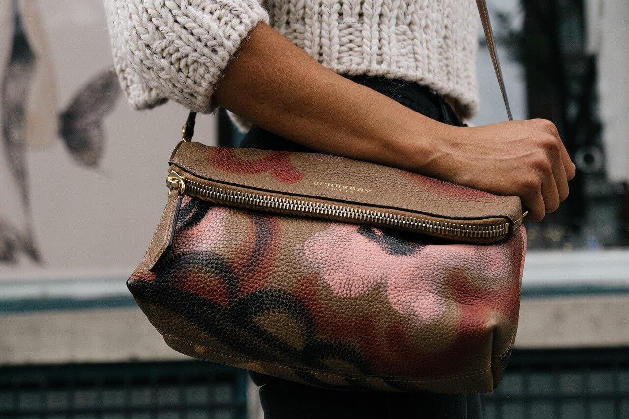 Was demonstrieren edle Handtaschen?