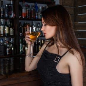 Eine Bar mieten oder anschaffen – 10 Tipps für die gelungene Partyausstattung