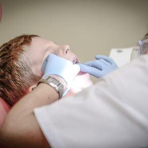 10 Tipps für den Zahnarztbesuch mit Kindern