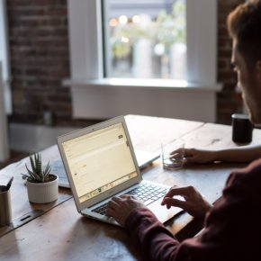 Gesundheit beim Arbeiten: Fünf effektive Tipps für das Home-Office